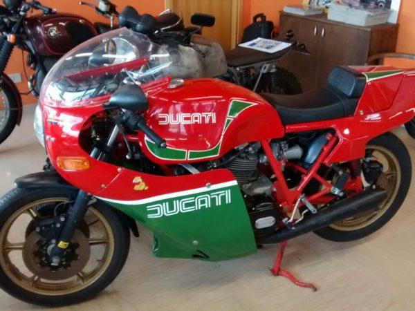 Ducati 900 MHR 1985 @ Owens moto classics