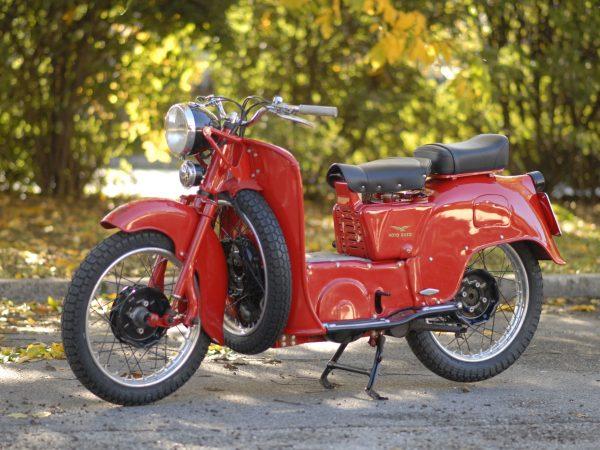 Moto Guzzi 192 Galletto 1956 @ owens moto classics